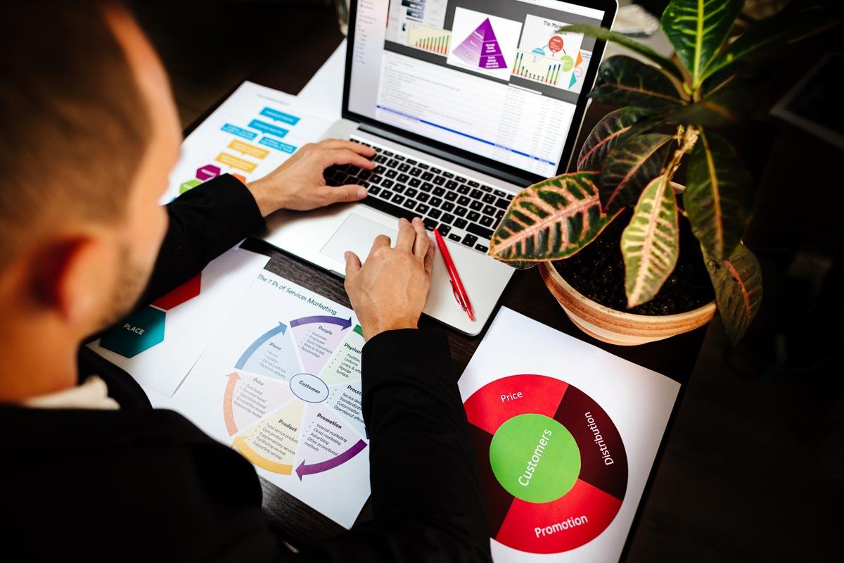 Online-Marketing im Wandel: Wie sich SEO-Maßnahmen und Techniken über die Jahre verändert haben 1