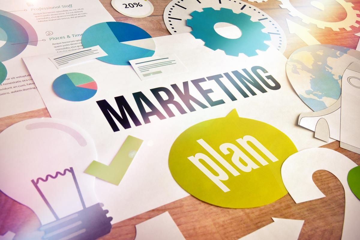 Operatives und strategisches Marketing im Vergleich 4